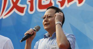 傅健慈指出有政客打著「立會過半、光復香港」的幌子進行「港獨」的違法活動。