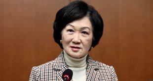 葉劉淑儀要求教育局嚴懲教師歪曲歷史。
